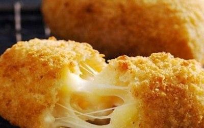 Mac N Cheese Bites!