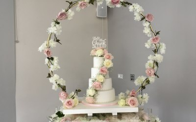 Hoop wedding cake